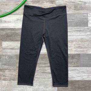 Fabletics Gray Crop Capri Leggings AW02